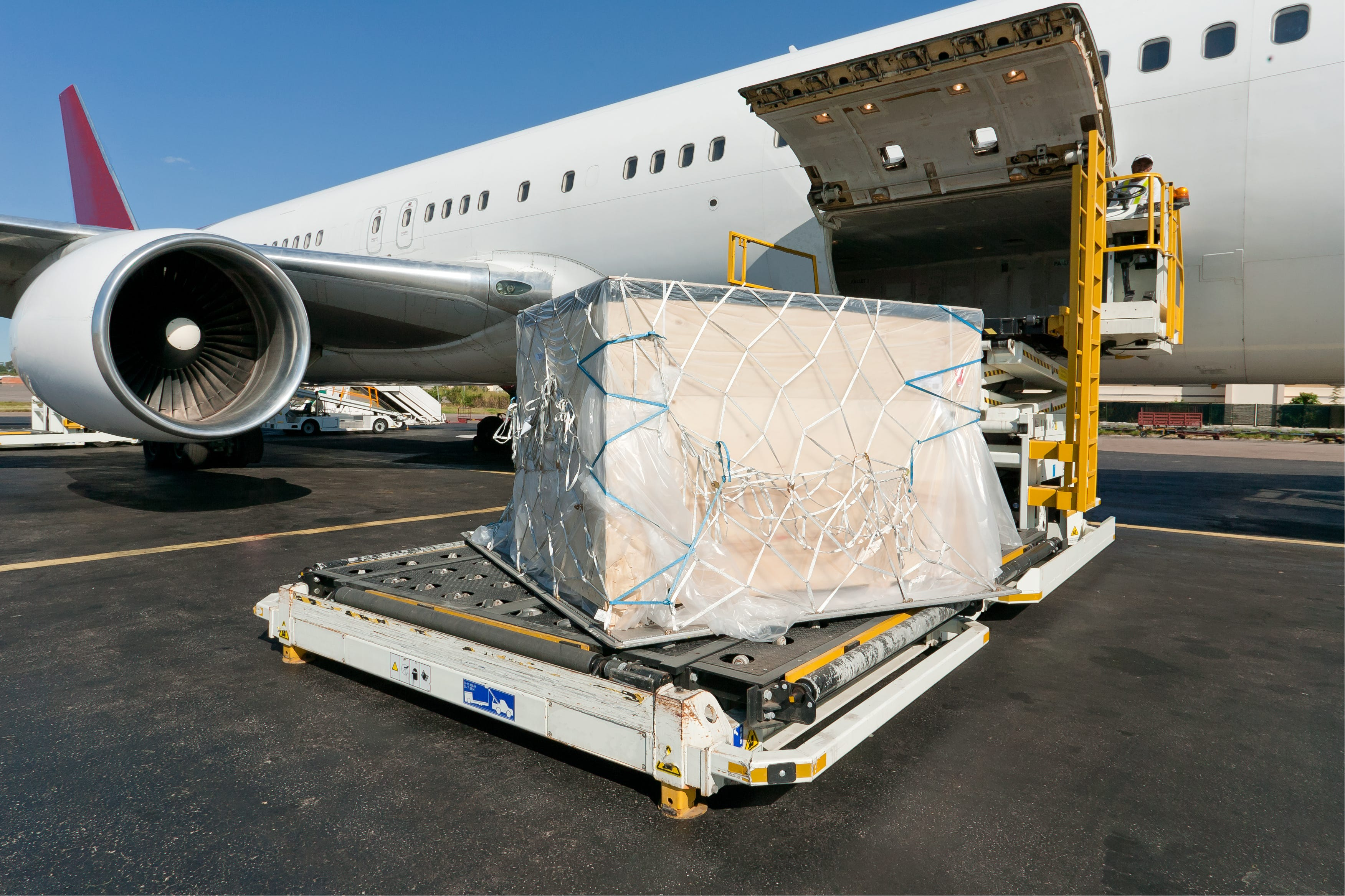 Cargo Plane shipping Lithium Ion Batteries